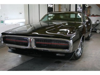DODGE CHARGER 1972 BLACK SUPER BEE PROJECT