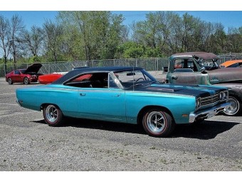 PLYMOUTH ROADRUNNER 1969 BIG BLOCK 383
